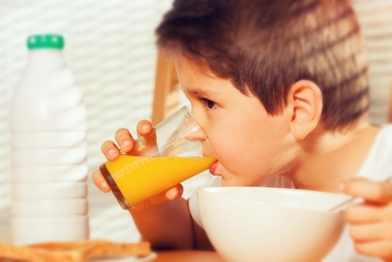 suco de frutas para crianças - faz bem ou nao