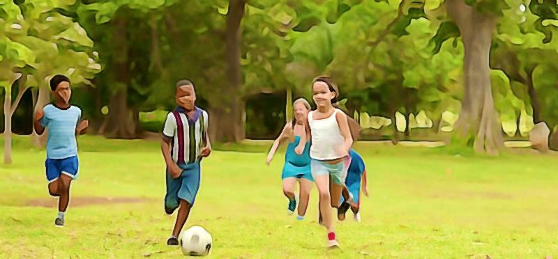 criancas brincando no parque - atividade fisica