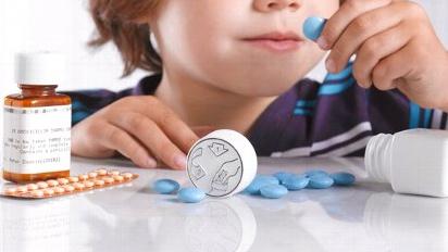 crianca e medicamentos